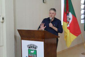 Secretário Jair Kilpp agradeceu o esforço de membros da Secretaria nos preparativos para o Natal Étnico